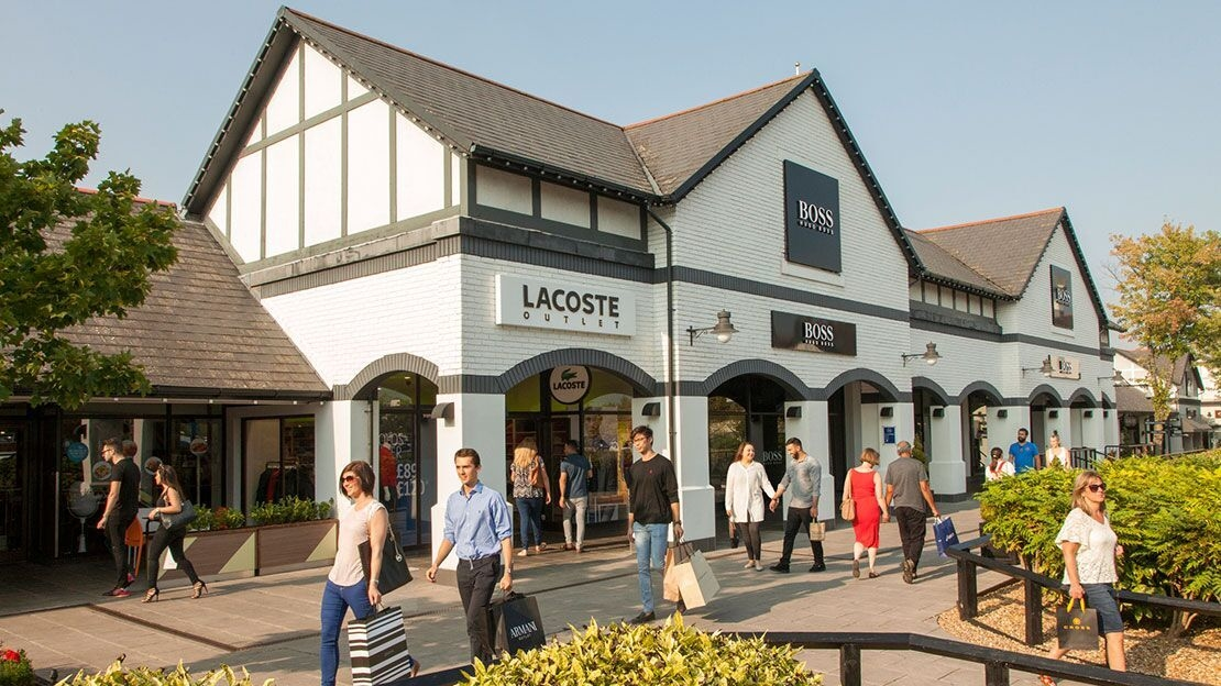 About Cheshire Oaks Designer Outlet