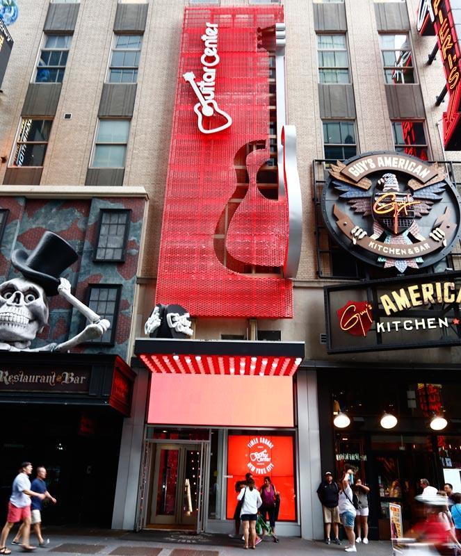 times square new york city guitar center store. Black Bedroom Furniture Sets. Home Design Ideas