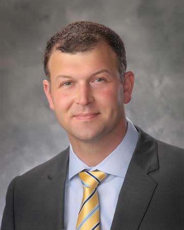 安德鲁·马克维思,医学博士