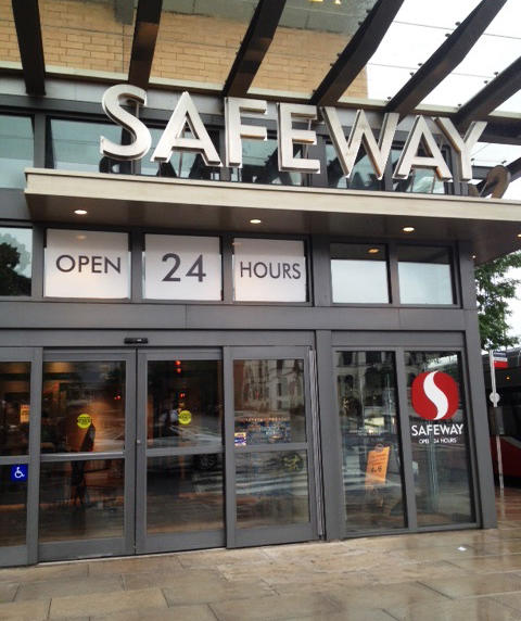 Safeway Store Front Picture at 490 L St NW in Washington DC