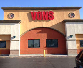 Vons Store Front Picture at 475 E Windmill Lane in Las Vegas NV