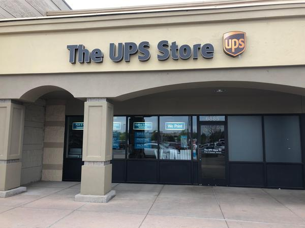 Facade of The UPS Store Fountain