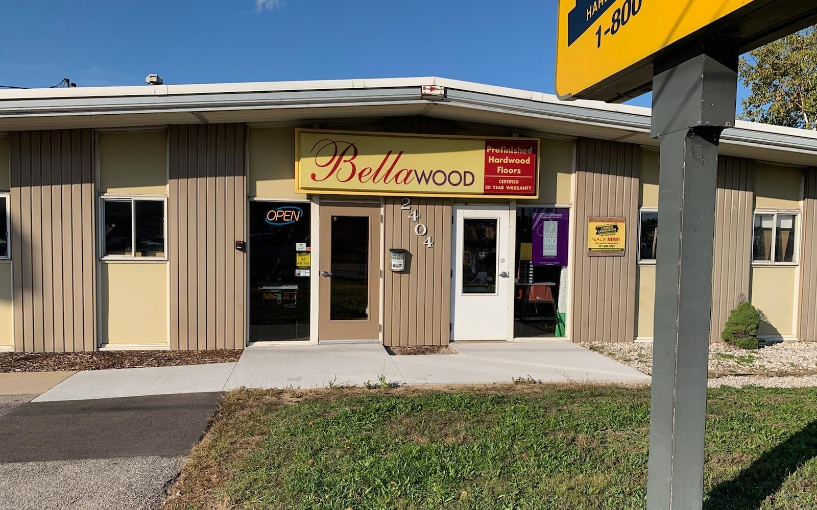 Lumber Liquidators Flooring #1128 Traverse City | 2404 S. Airport Road | Store Front