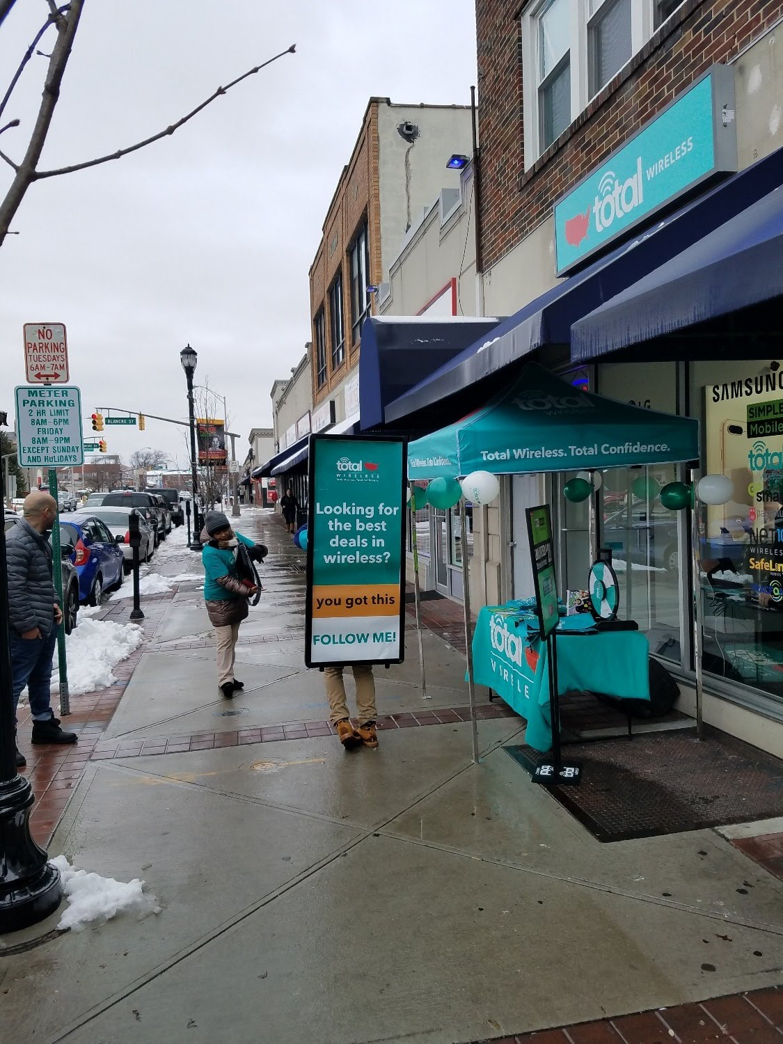 Total Wireless Store front image in Linden,  NJ