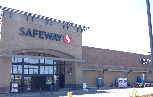 Safeway Store Front Picture at 3250 Leif Erickson Dr in Astoria OR