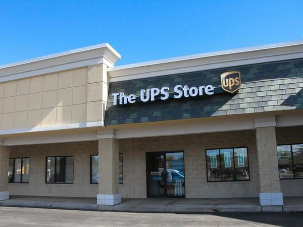 Exterior storefront image of The UPS Store #4713 in Hales Corners, WI
