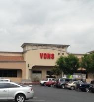 Vons Store Front Picture at 3520 Riverside Plaza in Riverside CA