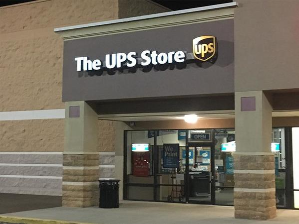Facade of The UPS Store Pensacola