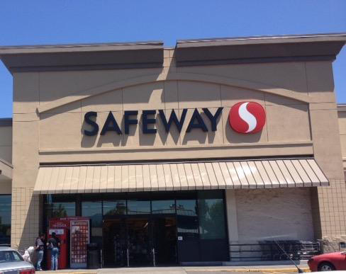 Safeway store front picture of 115 E 7th St in Grants Pass OR