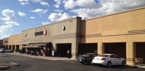 Safeway Store Front Picture at 7177 E Tanque Verde Rd in Tucson AZ