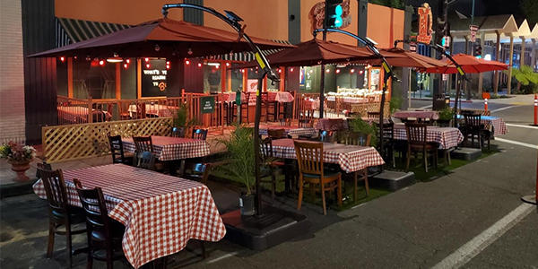 Buca-di-Beppo-Patio-Seating
