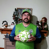 Michael-Mike-McGinness-Allstate-Insurance-Lake-Stevens-WA-Seattle-Sounders-FC-raffle-winner