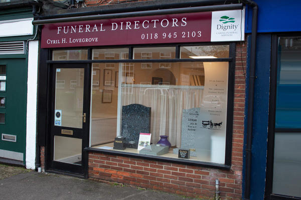 Cyril H Lovegrove Funeral Directors in Tilehurst, Reading