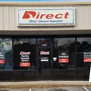 Front of Direct Auto store at 1514 East Race Street, Searcy