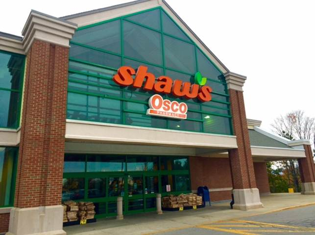 Shaws Store Front Picture at 66 Mountain View in Colchester VT