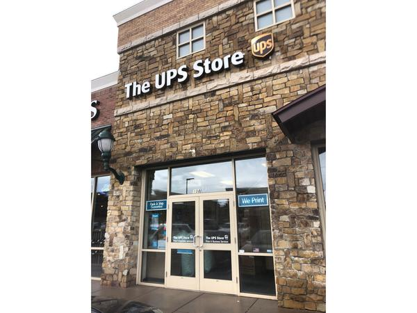 Facade of The UPS Store Foxfield