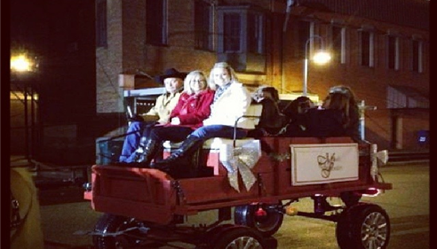 Hometown Carriage Ride - Kacie and Dr. Jessica Gandy