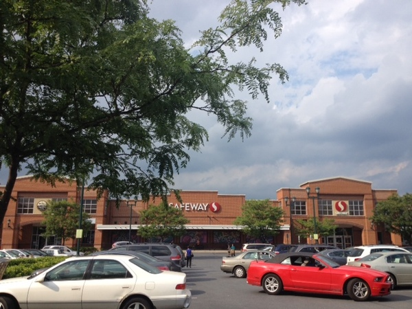 Safeway Store Front Picture at 14939 Shady Grove Rd in Rockville MD