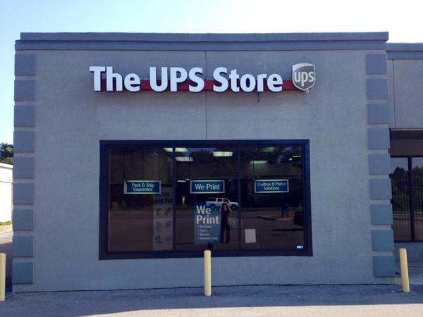Facade of The UPS Store Jasper