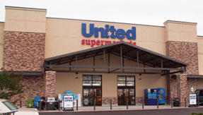 United Supermarkets 300 E Commerce St
