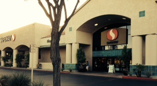 Safeway Store Front Picture at 3132 E Camelback Rd in Phoenix AZ