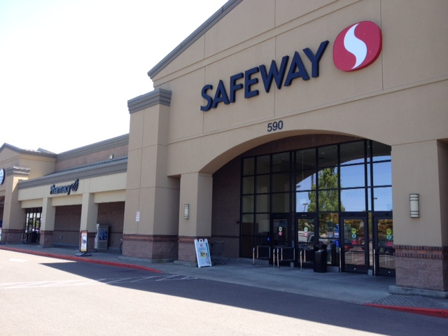 Safeway Store Front Picture at 590 NE Circle Blvd in Corvallis OR