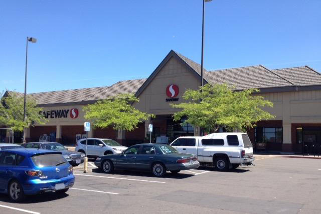 Safeway Store Front Picture at 1525 W Main St in Molalla OR