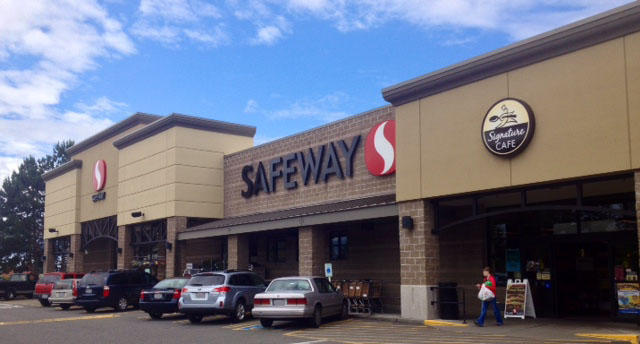 Safeway Store Front Picture at 10105 224th St in Graham WA