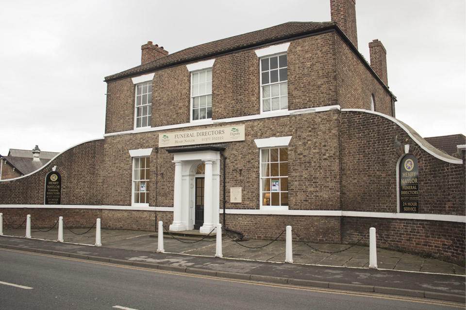 Henry Naylor Funeral Directors in 1 New Road, Driffield