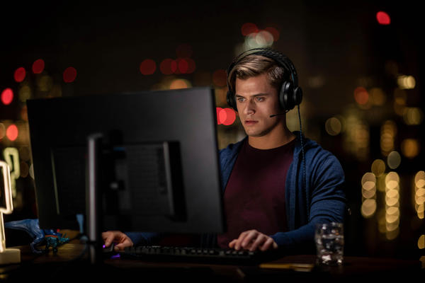 Man playing computer game.