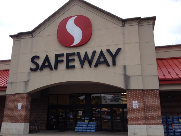 Safeway Store Front Picture at 309 Southgate Shopping Center in Culpeper VA
