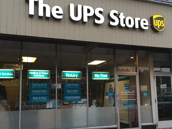 Facade of The UPS Store Pittsburgh