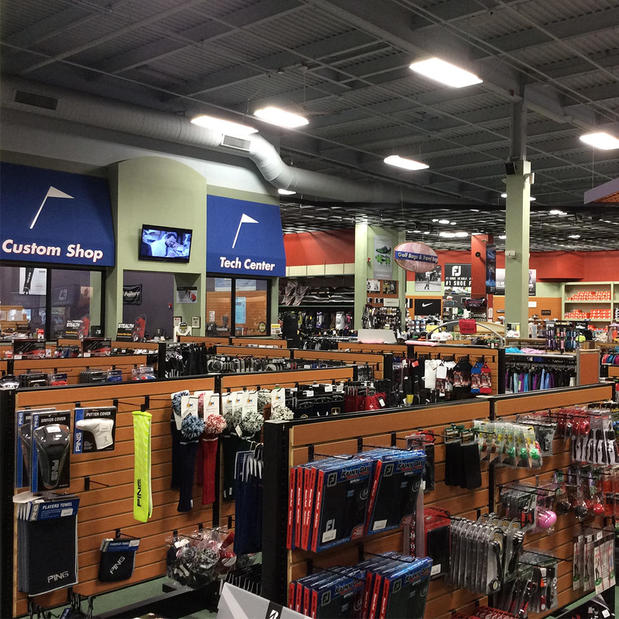 Golf Gear & Accessories Online | Canada Golf Store With the game of golf now more popular than ever, we're finding an ever-growing market of players stopping at Golf Clearance Warehouse for our incredible deals on golf club sets, golf accessories and other golf gear offered at some amazing discount prices.