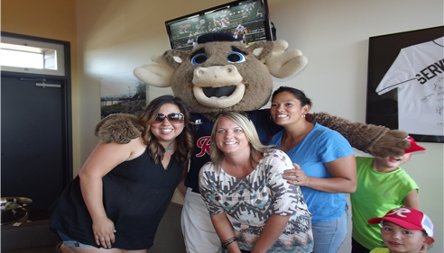 Rainer's mascot and a few of his fans hosted by the Dickson Agency.