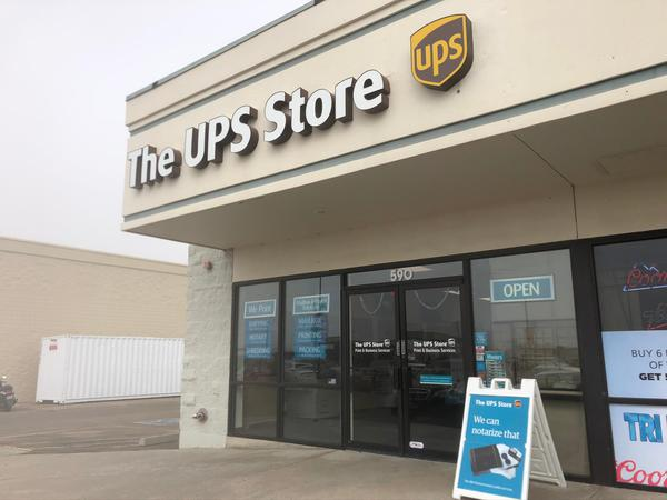 Facade of The UPS Store Monument