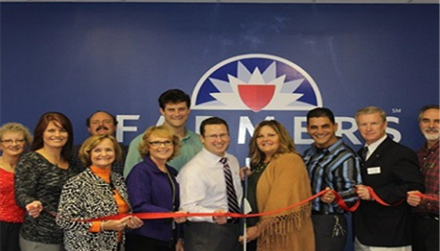 Farmers® Insurance and the Dayton Chamber of Commerce Ribbon cutting ceremony.