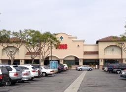Vons Store Front Picture at 2764 E Thompson Blvd in Ventura CA