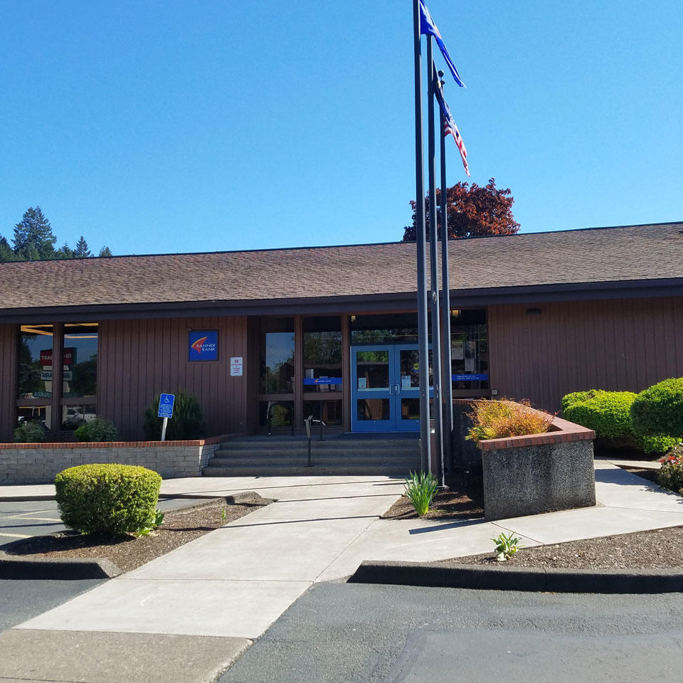 Banner Bank branch in Cottage Grove, Oregon