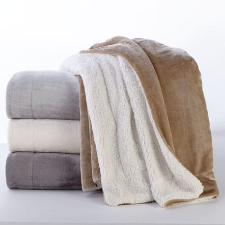 Blankets & Throws - Assorted blankets and throws