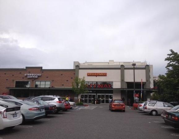 Safeway At 1410 E John St Seattle WA