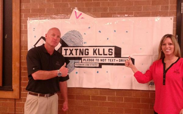 Stacy Adams - Students at Macarthur High School Take X the TXT® Pledge