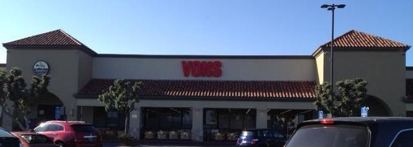 Vons Store Front Picture at 715 Pier Ave in Hermosa Beach CA