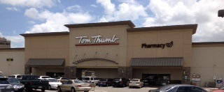 Tom Thumb Store Front Picture at 6377 Camp Bowie Blvd in Fort Worth TX