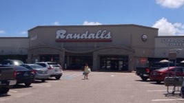 Randalls store front picture at 2931 Central City Blvd in Galveston TX