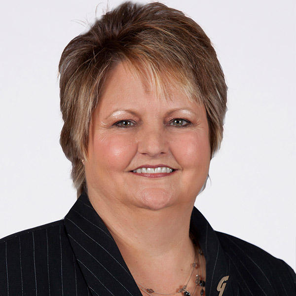 Linda Brown, Assistant Location Manager, Guaranty Bank & Trust Bogata, Texas