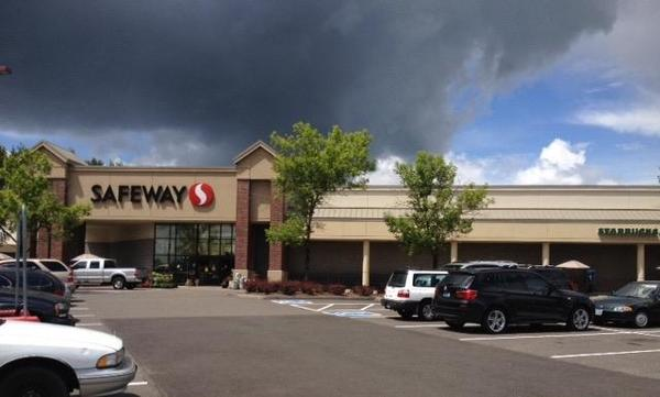 Safeway Store Front Photo at 2177 NW 185th Ave in Hillsboro OR