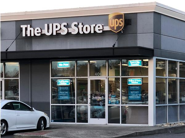 Facade of The UPS Store Yelm