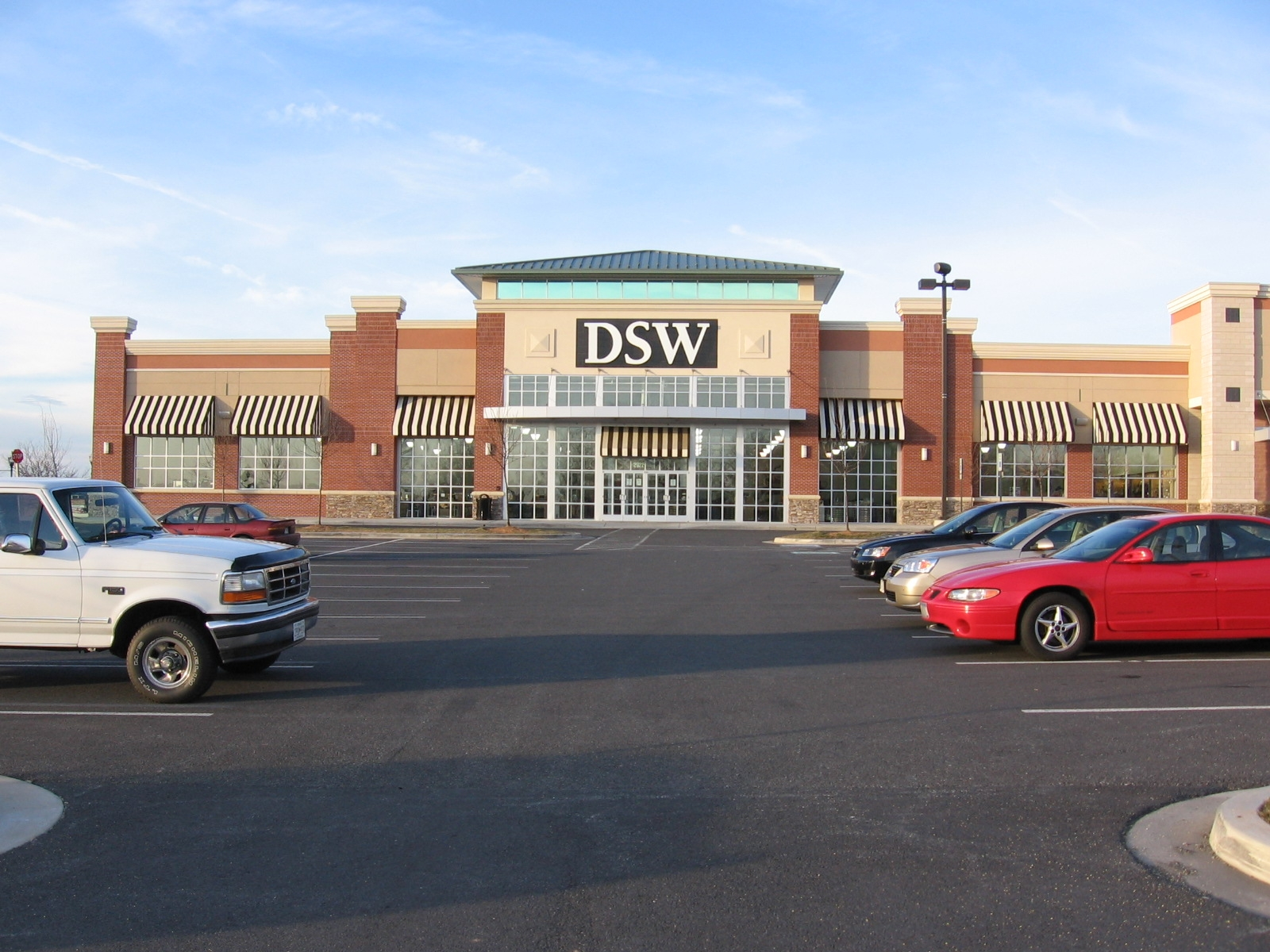 Dsw Women S And Men S Shoe Store In Germantown Md