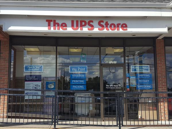 Facade of The UPS Store Framingham