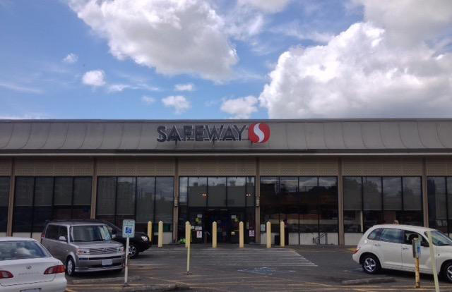 Safeway Store Front Photo at 3900 S Othello St in Seattle WA